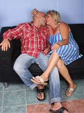 Blonde mature plumper Sussana and her fuckbuddy engage in kinky foreplay and later go for hardcore fucking